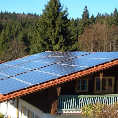 Hinterschmiding-480x480 Instalación de Paneles Solares